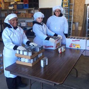 Food Service Students Assist Heart, Love and Soul Pantry with Food Truck