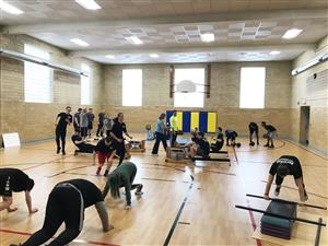 personal trainer students working out